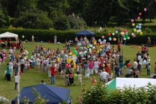 2007_pleasaunce_picnic_balloons_43